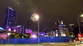 Una ciudad muy activa en la noche, por el deporte, básicamente basketball y baseball.