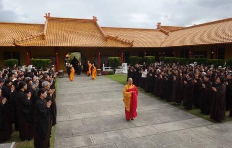 Al principio de la ceremonia.
